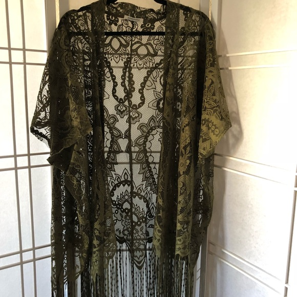 Emerette Jackets & Blazers - 🌷Lace tassel lace kimono. Size L NWOT army green
